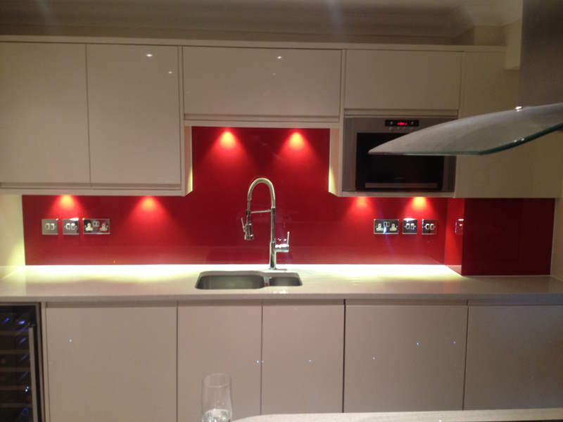 Glass splashback in reading
