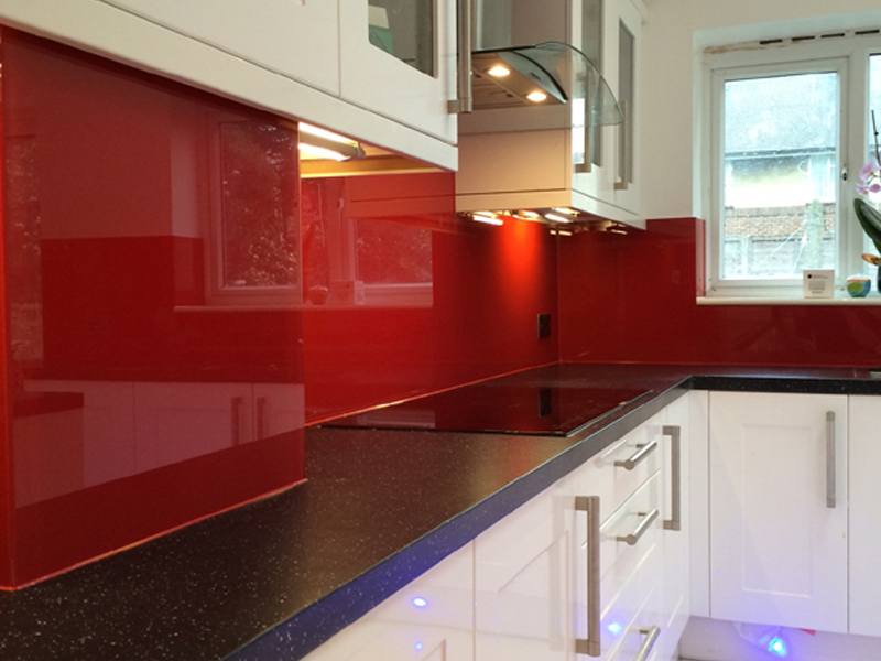 Kitchen glass splashback in enfield