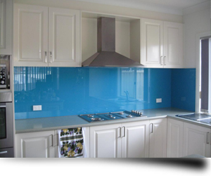 An example of a beautiful glass splashback in a kitchen