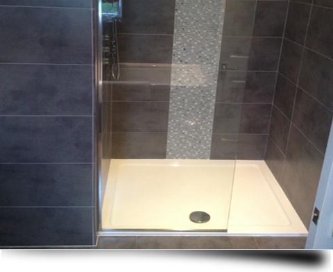 Bespoke glass shower screens and enclosures from Splashbacks of Distinction