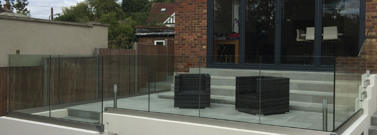 External glass fencing around patio from splashbacks of distinction