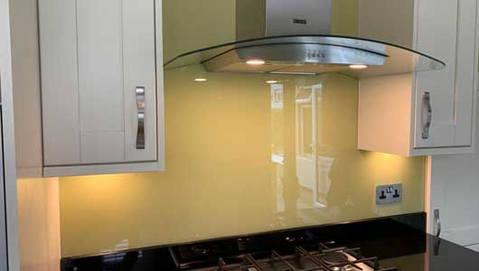 Kitchen splashbacks painted in farrow and ball churlish green